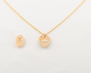 Interchangeable magnetic pendant & necklace