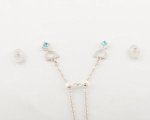 Women's magnetic pendants & chains